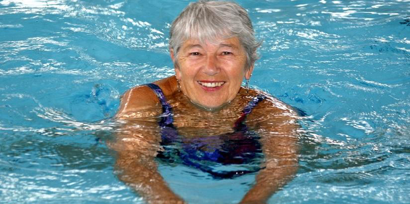 Плавание при гипертонии: влияние на давление, польза и ...